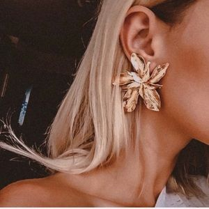 NWT Gold floral statement earrings